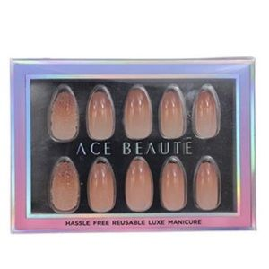 BNIB ace beaute press on nails